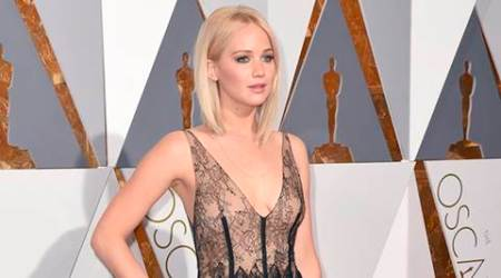 10 men sleep outside my house: Jennifer Lawrence