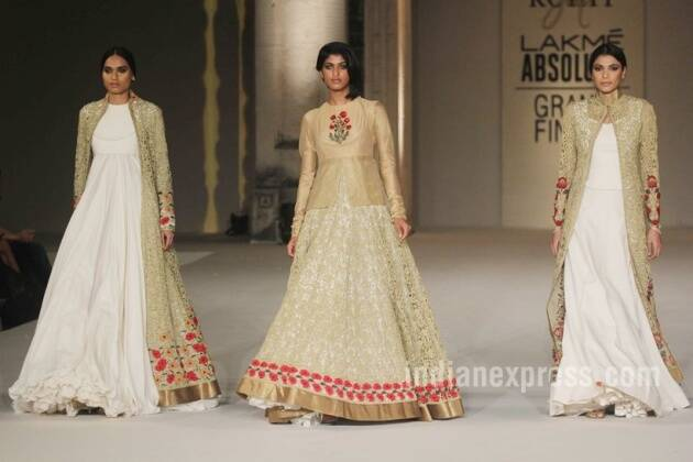kareena kapoor, ki and ka, rohit bal, LFW Summer-Resort 2016 grand Finale, celebrity fashion, kiroshni, kareena kapoor rohit bal