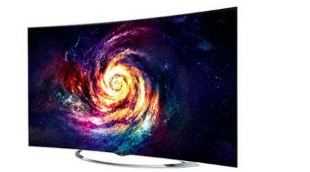 LG Curved 4K OLED TV 65-inch #ExpresReview: Luxury now has curves