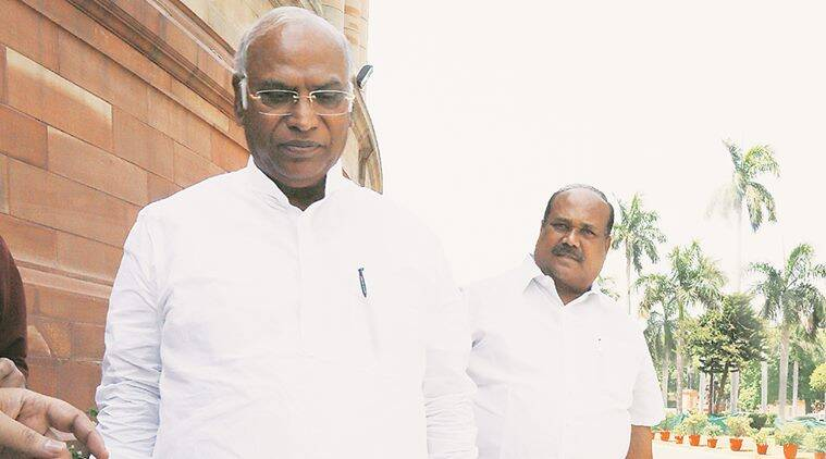 Mallikarjun Kharge, congress, congress leader, PM Modi, narendra modi, BJP, assembly elections, upcoming assembly election, votes, farmer, poor, small traders, demonetisation, india news, indian express news