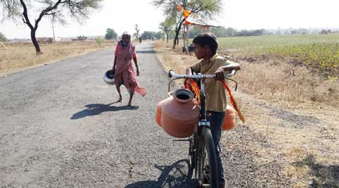 waterless in marathwada, marathwada, maharashtra water problem, water problem in marathwada, water crisis in maharashtra, maharashtra water crisis, indian express mumbai