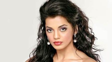 Grey shades have lot of things to do than positive roles: Mugdha Godse