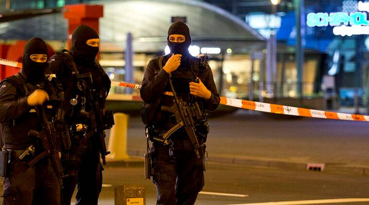 Amsterdam airport, Netherlands bomb scare, Schipol airport, Netherlands airport bomb