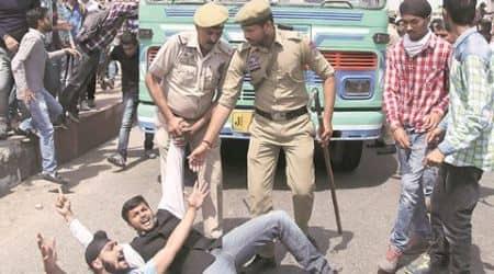 NIT srinagar, nit srinagar protests, NIT probe, govt order probe, lathicharge NIT srinagar, protests NIT sringar, NIT srinagar news, J&K news, kashmir protests, kashmir nit protests, kashmir news, india news