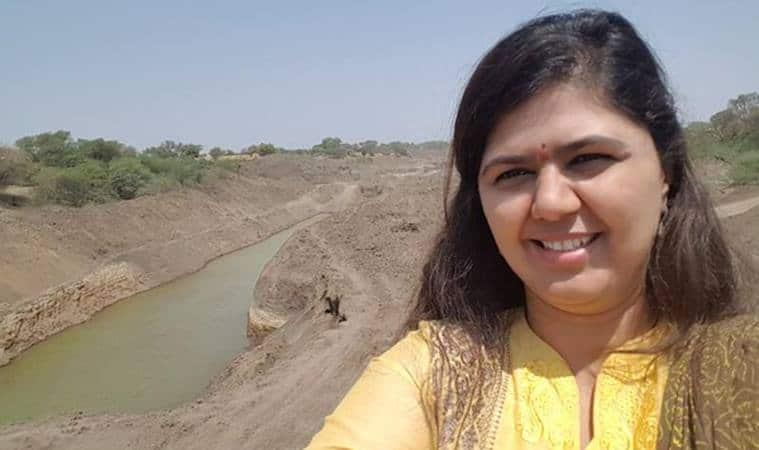 Pankaja Munde, selfies, Latur, Latur Pankaja Munde, Pankaja Munde selfies, Latur selfies, latur news, india news, maharashtra, maharashtra news