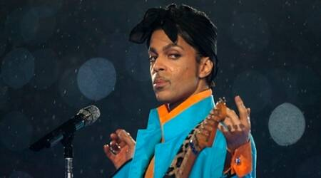 Prince topped iTunes chart just an hour after his death news