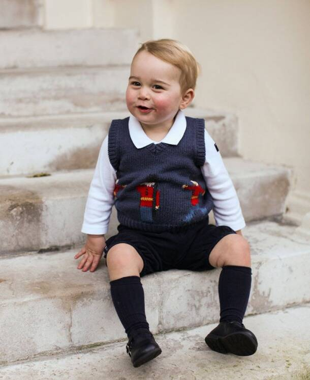 Photos of Prince George meeting Obamas in pyjamas is the cutest thing ever
