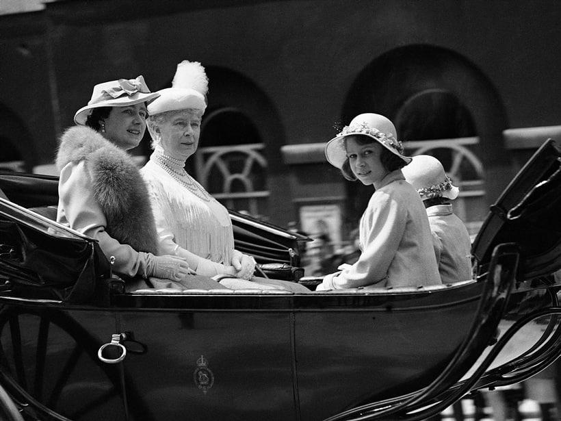 elizabeth II, queen elizabeth II, Britain queen, british queen, queen elizabeth 90th birthday, queen 90 birthday, queen elizabeth II 90 birthday, British queen 90th birthday, queen historical pictures, britain royal family, bitish royal family photos, britain news, england news, world news,