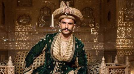 ranveer singh, ranveer singh awards, Maharashtrian Of The Year, ranveer singh Maharashtrian Of The Year, bajirao mastani, ranveer singh rajirao mastani, ranveer singh news, ranveer singh latest news, entertainment news