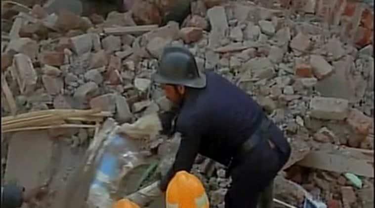 Mumbai, Mumbai bulding collapse, Grant Road, Grant Road railway station, Grant road building, Grant road Mumbai, Kamathipura Mumbai