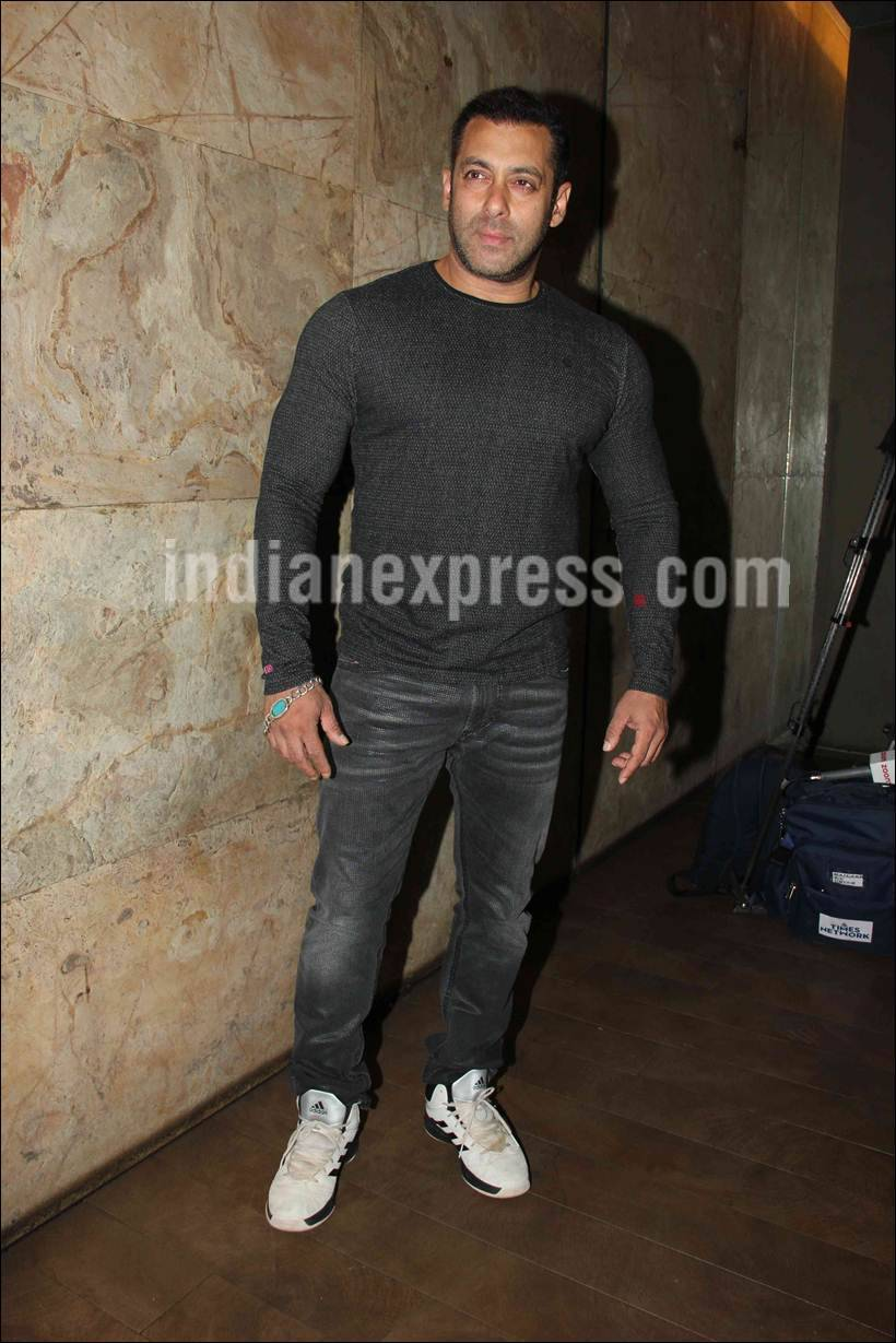Salman Khan, The Jungle Book, Salman, Sohail Khan, Sohail, Salman Watch the Jungle Book, Salman Khan the Jungle Book, Salman Khan the Jungle Book Screening, Salman the Jungle book screening, Entertainment news