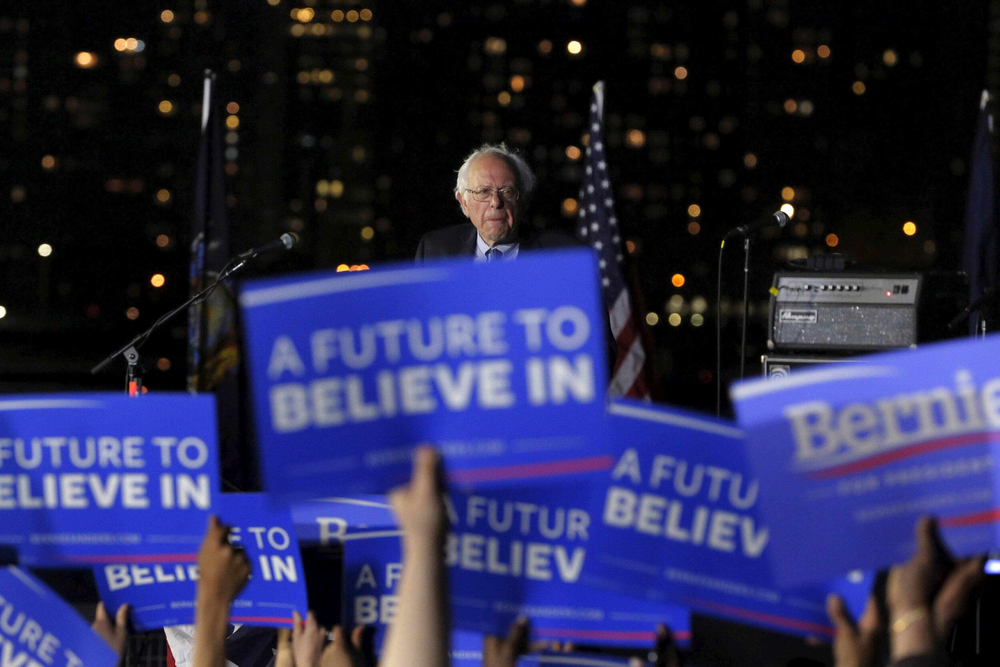 Democratic U.S. presidential candidate Bernie Sanders speaks at a campaign rally at Hunter's Point in the Queens borough of New York, U.S., April 18, 2016. REUTERS/Lucas Jackson