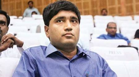 Give Sanjiv Chaturvedi copy of IB report, rules CIC