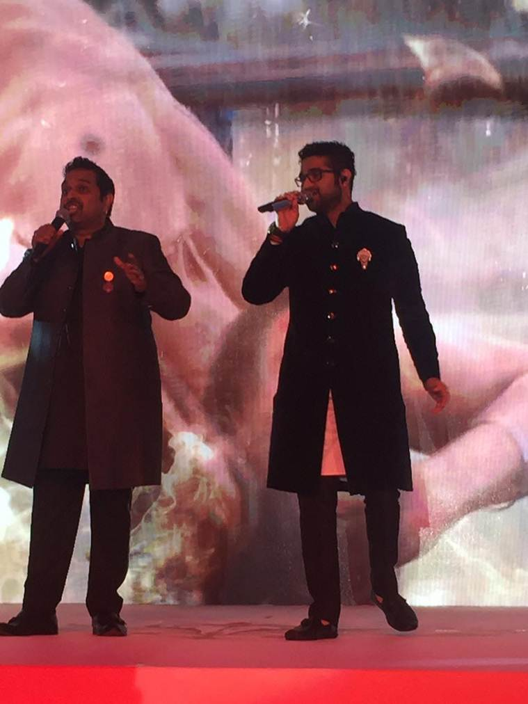 Shankar Mahadevan and son Siddharth kate 759