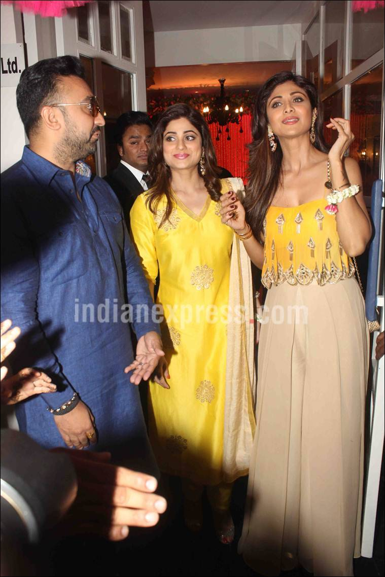 Bipasha Basu, Karan Singh Grover, Bipasha Basu mehendi, karan bipasha, Shilpa Shetty, Shamita shetty, sophie choudry, Ayaz Khan, Vj Anusha, Karan Singh Grover wedding, entertainment photos