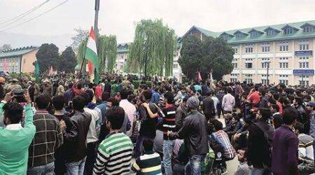 Kashmir University students protest against alleged beating of local students atNIT