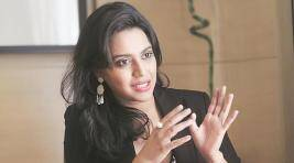 Swara Bhaskar Lashes Out At Inattentive Audience