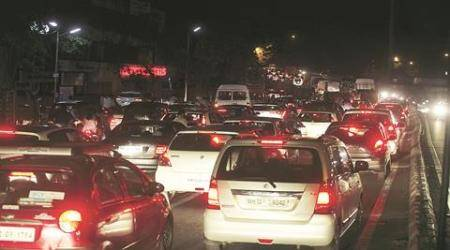 Pune: 2 buses break down; traffic thrown off gear for two hours