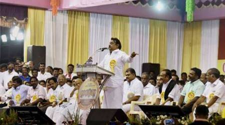 Vijayakanth slams DMK chief Karunanidhi for aspiring to be CM at 92