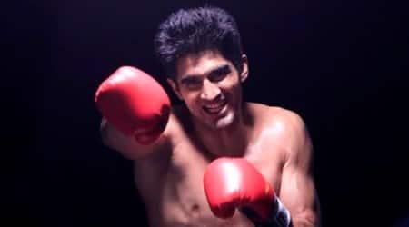 Vijender Singh accepts Amir Khan's challenge of pro bout inIndia