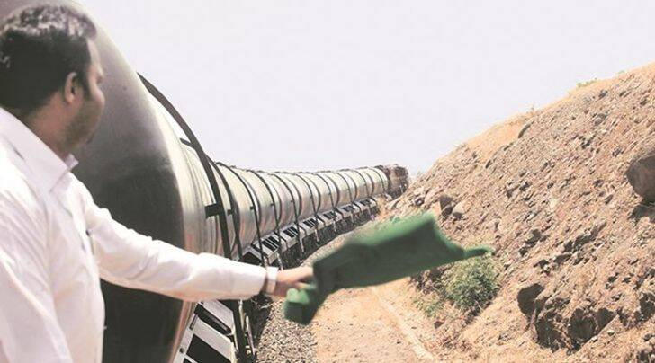 water train, latur, jaldoot express, water train in latur, maharashtra water train, drought, drought in maharashtra, maharashtra drought, latur drought