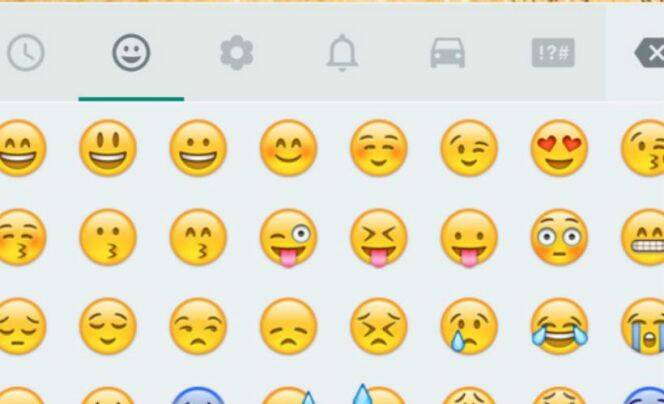 how to make emojis bigger on android