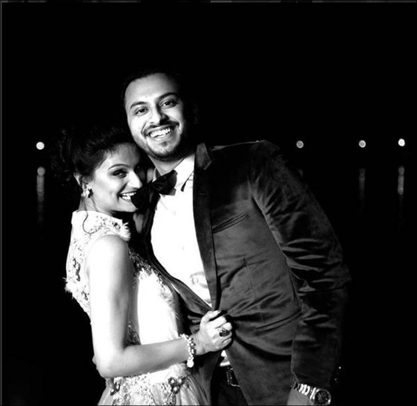 Dimpy Ganguly flaunts her baby bump on Instagram, see pics
