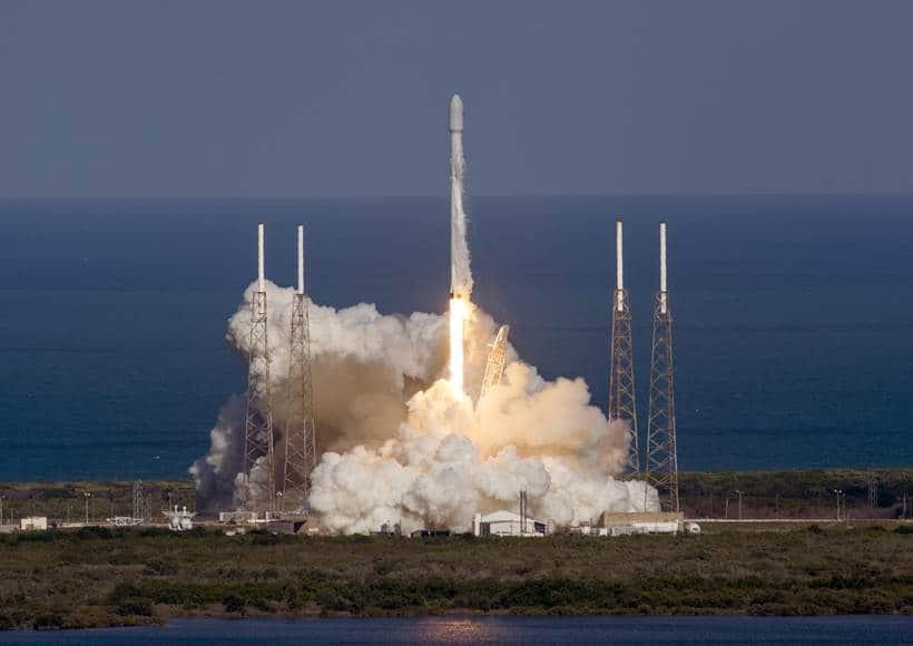 SpaceX, spaceX landing, Space x, spaceX landing photos, Falcon 9, space x landing, thaicom 8, thaicom 8 mission, space x video, space, rocket, science, technology, technology news