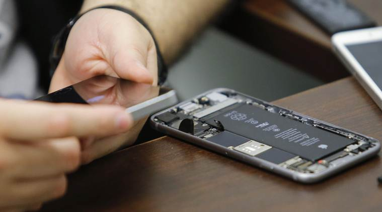 Strong encryption technology to secure data and communications in smartphones is a challenge for law enforcement agencies