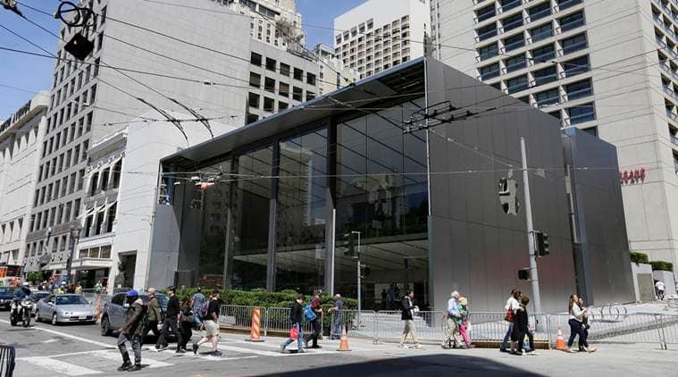 Apple, Apple Store, iPhones, Apple Store San Francisco, Apple Employees, Apple Genius Bar, Apple Genius Grove, Apple Avenue, Apple CEO Tim Cook