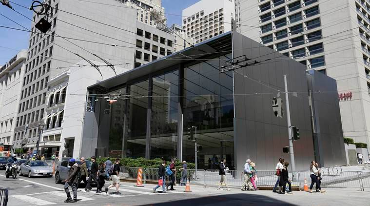 Apple, Apple Store, iPhones, Apple Store San Francisco, Apple Employees, Apple Genius Bar, Apple Genius Grove, Apple Avenue, Apple CEO Tim Cook