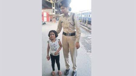 missing child, missing avani, photo goes viral, missing child photo, nagpur railway station, avani jain, @RailMinIndia, suresh prabhu, india news, social media