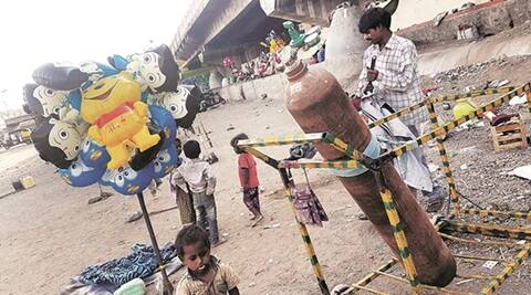 pune, pune balloon seller, PMC, Cheaper hydrogen, hydrogen bomb, inflammable hydrogen, Gas balloons, birthday balloon, Pune Newsline, indian express pune