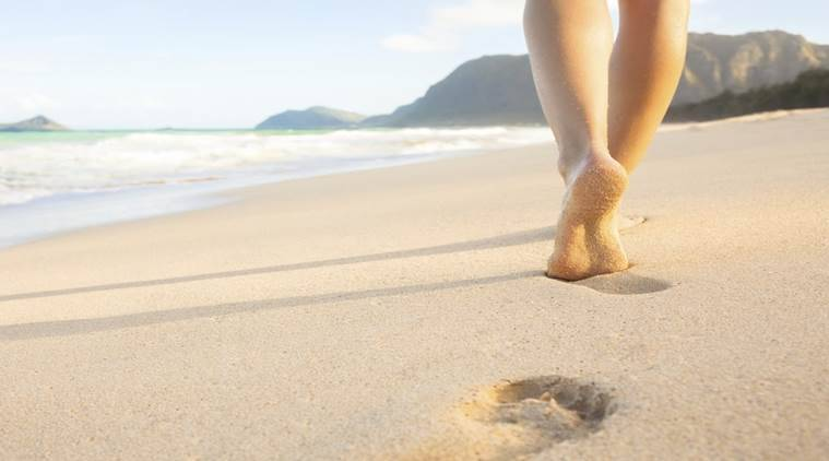 benefits of walking barefoot on sand