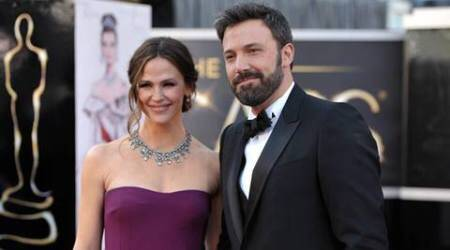 Ben Affleck gifts Jennifer Garner 11-carat diamondnecklace?