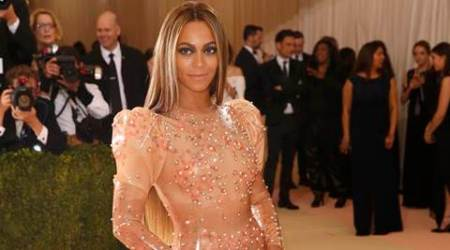Pop star Beyonce arrives at Met Gala, sans Jay Z