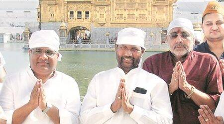 CAPTION- Union Minister of Food and Public Distribution Ram Vilas Paswan Paying Obeisance at Golden Temple  in Amritar on Friday May 27 2016. EXPRESS PHOTO BY RANA SIMRANJIT SINGH