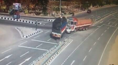 Video: 5 of family killed in car accident on Hyderabad-Nizamabad highway