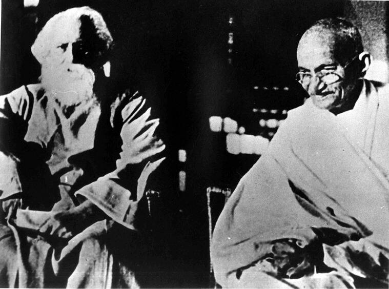 Rabindranath Tagore with Mahatma Gandhi, 1940. (Photo: oldindianphotos.in)
