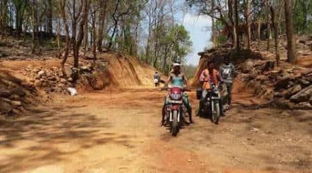 chhattisgarh, chhattisgarh Dhamtari, Dhamtari district tribal villages, Chhattisgarh Dhamtari development, Dhamtari villagers build road, Dhamtari tribals buld road, chhattisgarh tribals build road, chhattisgarh news, india news, latest news