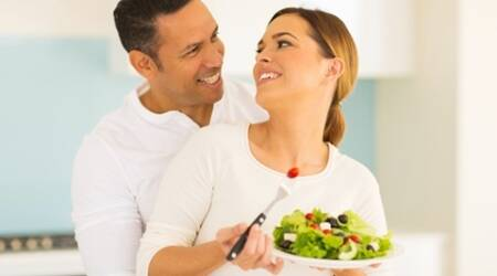 couple eating salad