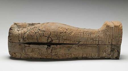 Youngest ancient foetus found in miniature Egyptiancoffin