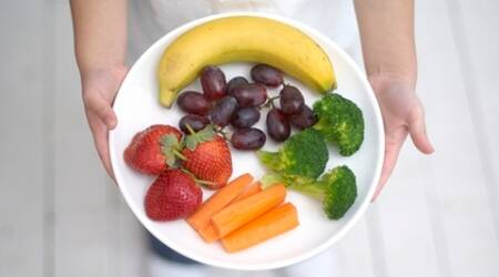 To distract kids from junk food, present healthy optionsfirst