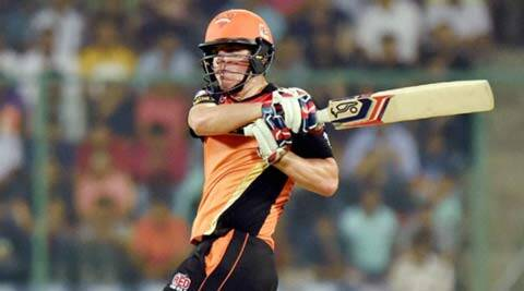 IPL 2016, SRH vs RCB: Flab in the middle doesn't matter  when you have muscle at the top
