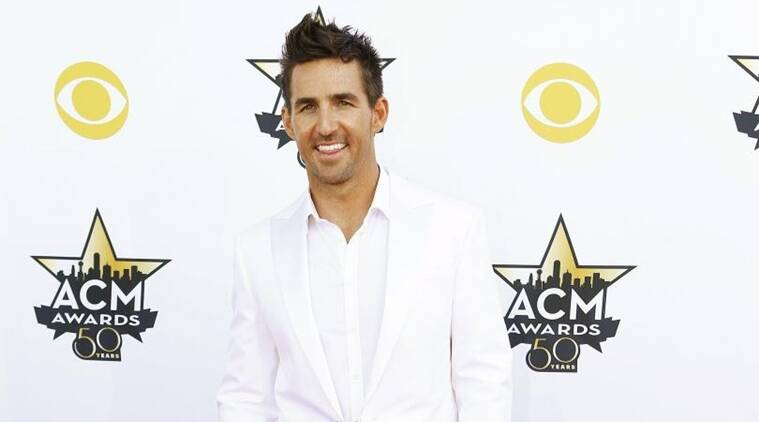 Jake Owen, Jake Owen twitter, Jake owen tour, Jake owen illinois tour stop, Jake owen news, Jake owen accident, Entertainment news