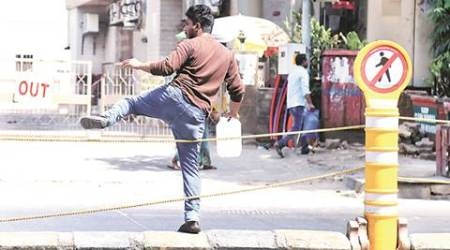 14 gaps on 6-km stretch: Mumbai traffic cops install temporary bollards on LT Marg to prevent jaywalking
