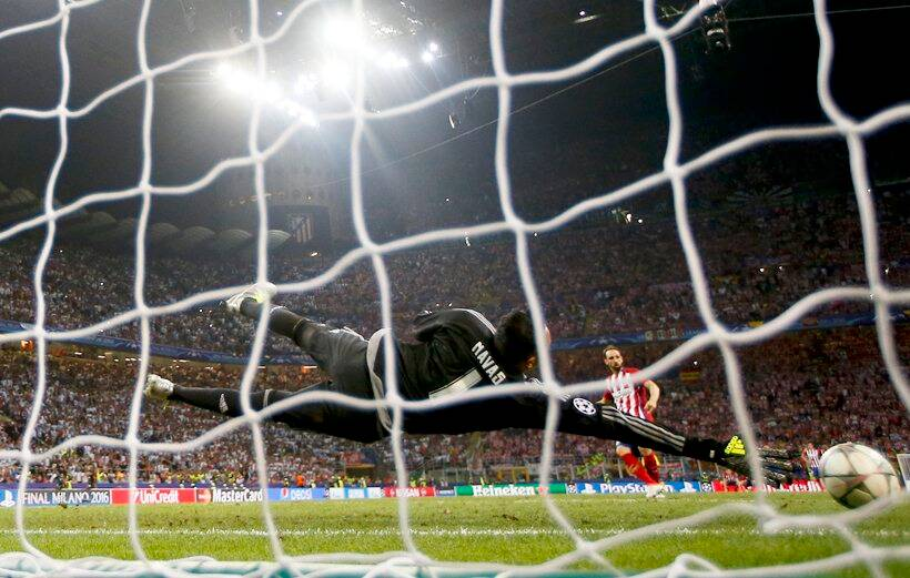 Juanfran, Juanfran penalty, Real Madrid, Real Madrid Champions League, Real Madrid Atletico Madrid Champions League, Real Madrid photos, Real Madrid Champions League photos, RM celebrations, RM photos, RM vs ATM UCL, football photos