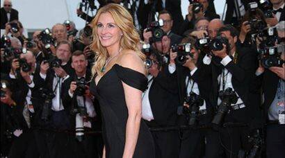 PHOTOS: Cannes 2016: Julia Roberts walks the red carpet barefoot | The Indian Express