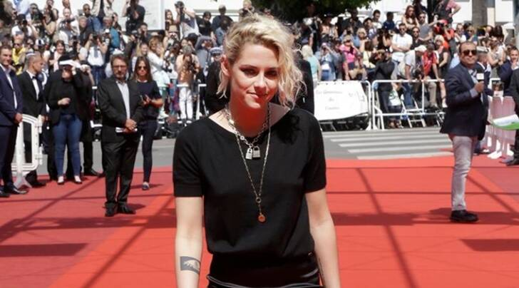 Kristen Stewart's new supernatural drama has become the first film to receive boos instead of applause at this year's Cannes Film Festival.