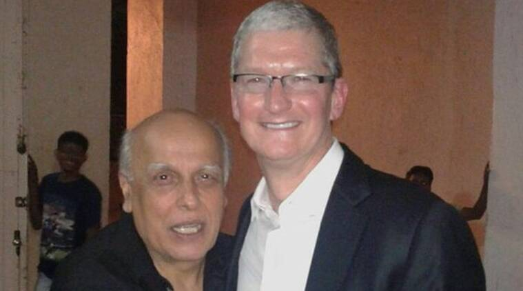 Tim Cook, Apple, Shah Rukh khan, Mahesh Bhatt, Mukesh Bhatt, Apple Ceo, Tim Cook India, Apple Ceo Tim Cook, tim Cook India visit, Tim Cook Apple, tim Cook in India, Tim Cook Mahesh Bhatt, Tim cook Bhatt, Tim Cook Mukesh Bhatt, Tim Cook SRK, Tim Cook Dinner Party, Entertainment news